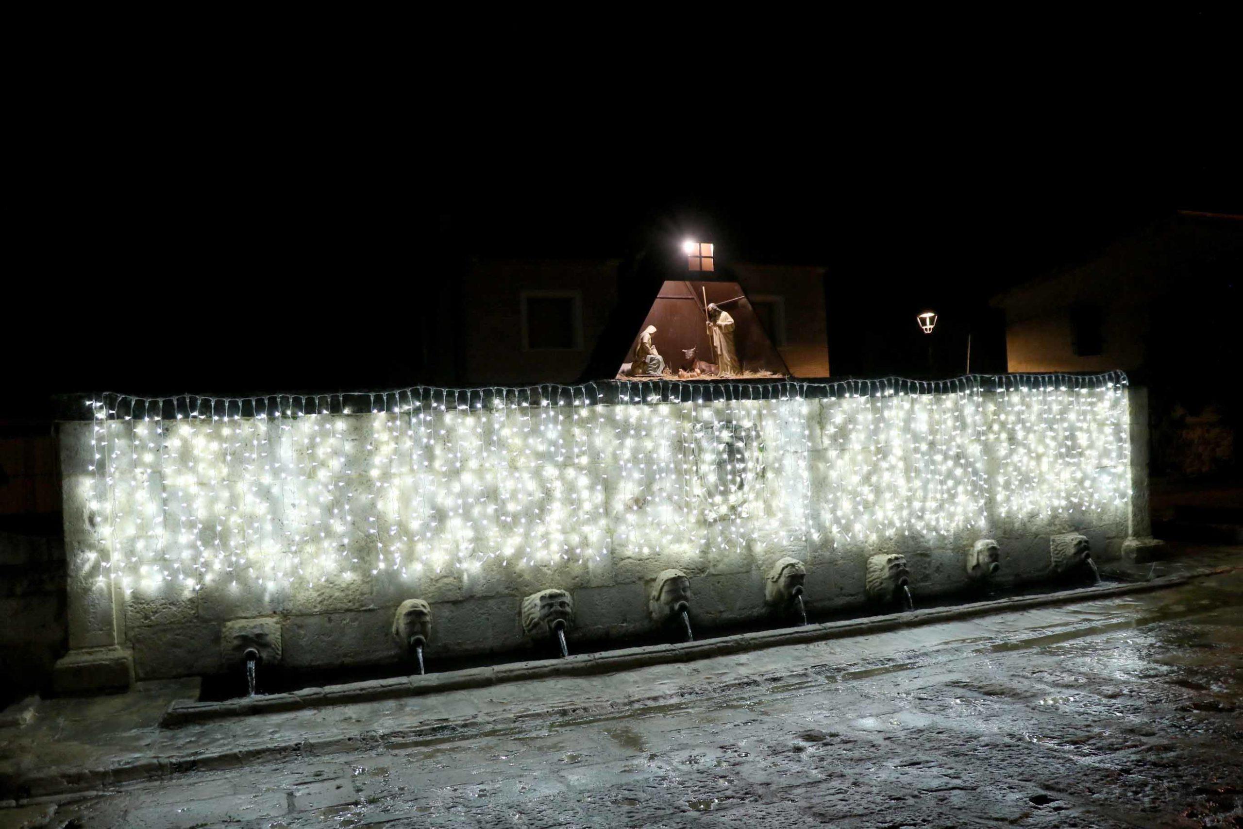 Decoración Navideña de la Fuente de los XIII Caños